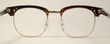 COMBO VINTAGE EYEGLASSES SIDE photo, under 350 kb