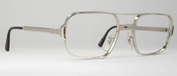 METAL VINTAGE EYEGLASSES HINGE photo, under 350 kb