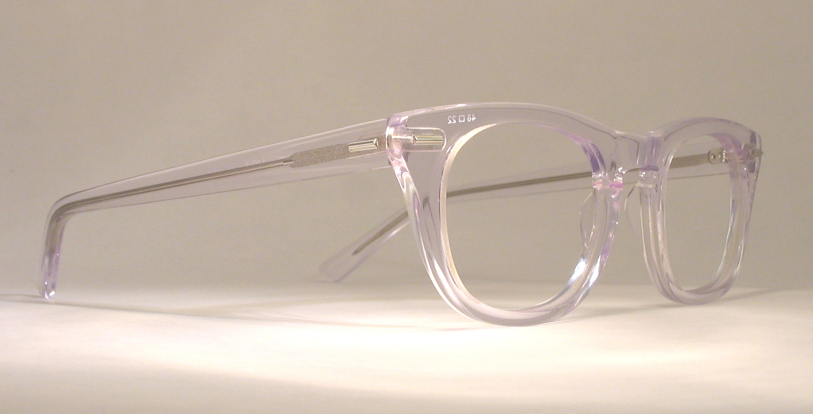 plastic vintage eyeglasses hinge photo under 350 kb